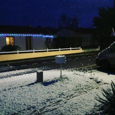 Avoir des machines a neige c'est idéal pour nos enfants ! Joyeux noël à…