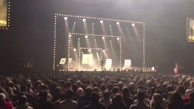 Jeff Panacloc et jean Marc au zénith de Nantes sous une pluie de confettis…