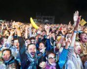 prestation sfx pour Martin solveig au Festival Roi arthur en bretagne flammes , confettis…